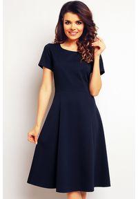 Infinite You - Elegancka trapezowa sukienka o klasycznym kroju. Materiał: poliester, wiskoza, materiał, elastan. Typ sukienki: trapezowe. Styl: klasyczny, elegancki