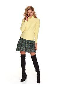 Żółty sweter TOP SECRET z golfem