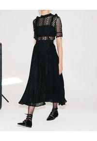 SELF PORTRAIT - Czarna koronkowa sukienka. Kolor: czarny. Materiał: koronka. Typ sukienki: rozkloszowane, plisowane. Długość: midi
