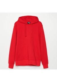 Czerwona bluza Cropp z kapturem