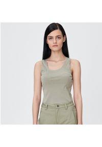 Zielony t-shirt Sinsay w koronkowe wzory