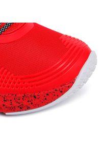 Czerwone buty treningowe Under Armour z cholewką
