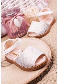 Srebrne sandały Casu na rzepy