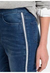 """Dżinsy Super Skinny w krótszej długości, z połyskującym paskiem bonprix niebieski """"stone"""". Kolor: niebieski. Długość: krótkie"""