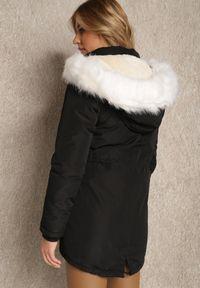 Renee - Czarna Kurtka Euniphae. Kolor: czarny. Materiał: futro. Długość rękawa: długi rękaw. Długość: długie. Sezon: zima