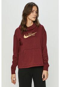 Nike Sportswear - Bluza. Okazja: na co dzień. Typ kołnierza: kaptur. Kolor: czerwony. Materiał: dzianina. Długość rękawa: długi rękaw. Długość: długie. Styl: casual