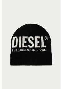Czarna czapka Diesel z nadrukiem