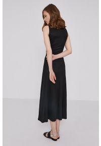 Desigual - Sukienka. Kolor: czarny. Materiał: tkanina, dzianina. Długość rękawa: na ramiączkach. Wzór: gładki