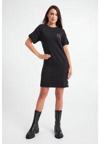 Armani Exchange - SUKIENKA ARMANI EXCHANGE. Materiał: dzianina. Długość rękawa: krótki rękaw. Wzór: nadruk. Typ sukienki: proste. Długość: mini