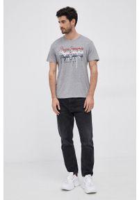 Pepe Jeans - T-shirt Moe 2. Okazja: na co dzień. Kolor: szary. Materiał: dzianina. Wzór: nadruk. Styl: casual