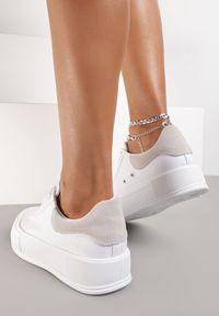 Renee - Białe Trampki Daintho. Nosek buta: okrągły. Kolor: biały. Materiał: jeans, materiał, guma. Szerokość cholewki: normalna