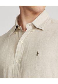 Ralph Lauren - RALPH LAUREN - Beżowa koszula z lnu Lightweight Slim Fit. Typ kołnierza: button down, polo. Kolor: beżowy. Materiał: len. Długość rękawa: długi rękaw. Długość: długie. Wzór: haft #3
