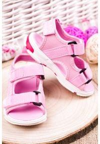 Różowe sandały Casu na rzepy