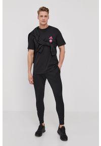 Czarna bluza nierozpinana Adidas bez kaptura, z nadrukiem, na co dzień