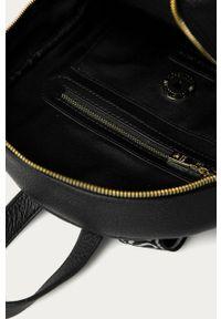 Czarny plecak Love Moschino z aplikacjami
