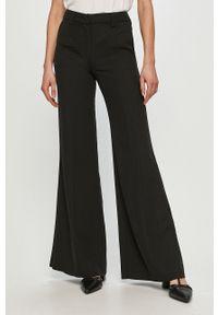 Czarne spodnie materiałowe Silvian Heach klasyczne, gładkie