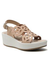 Beżowe sandały Igi & Co