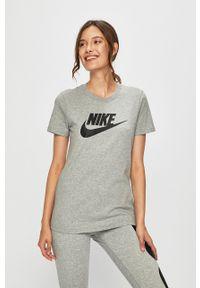 Nike Sportswear - T-shirt. Okazja: na co dzień. Kolor: szary. Materiał: dzianina. Wzór: nadruk. Styl: casual