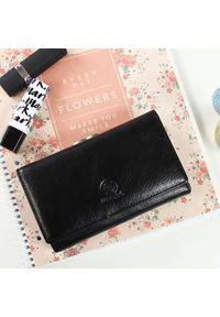 Czarny portfel Krenig w kolorowe wzory