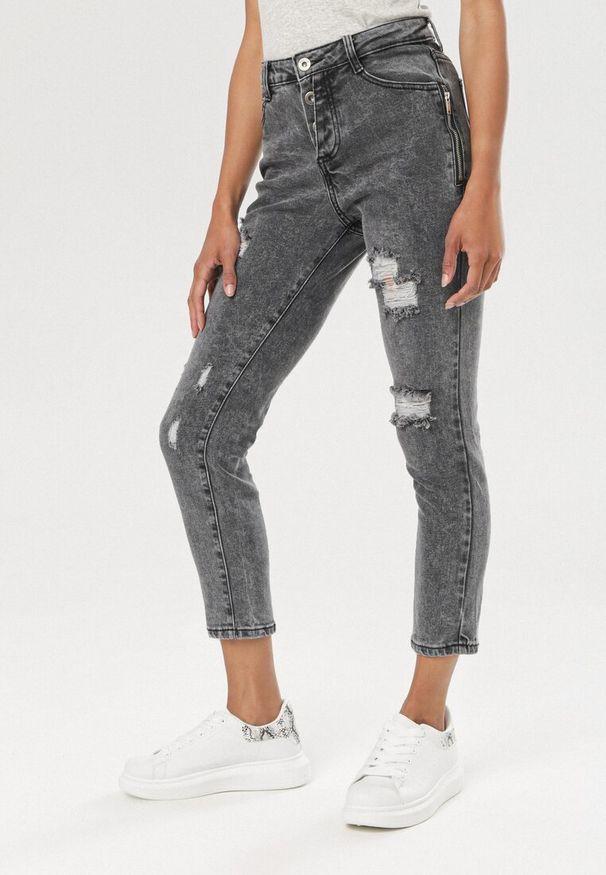 Szare jeansy Born2be