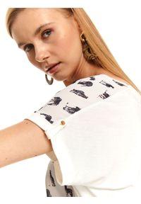 Biały t-shirt TOP SECRET krótki, z klasycznym kołnierzykiem, klasyczny