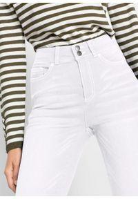 Dżinsy push-up 7/8 z wygodnym paskiem, STRAIGHT bonprix biały. Kolor: biały