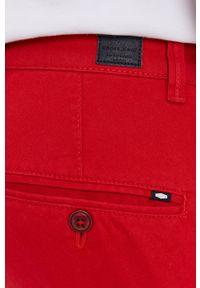 Cross Jeans - Szorty. Okazja: na co dzień. Kolor: czerwony. Styl: casual
