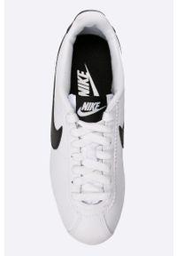 Białe buty sportowe Nike Sportswear z cholewką, z okrągłym noskiem