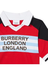 BURBERRY CHILDREN - Koszulka polo z logo 3-14 lat. Typ kołnierza: polo. Kolor: czerwony. Materiał: dresówka, materiał. Wzór: paski. Sezon: lato. Styl: sportowy
