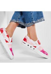Różowe trampki DKNY
