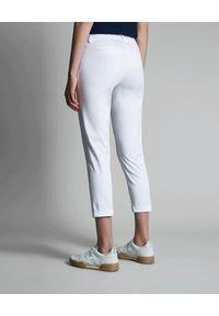FAY - Białe spodnie chinosy. Okazja: na co dzień. Kolor: biały. Styl: elegancki, klasyczny, casual