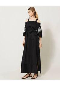 TwinSet - TWINSET - Czarna maxi sukienka z odkrytymi ramionami. Kolor: czarny. Materiał: bawełna. Wzór: haft, kwiaty. Sezon: wiosna, lato. Typ sukienki: z odkrytymi ramionami. Długość: maxi