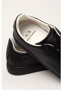 Armani Exchange - Buty. Zapięcie: sznurówki. Kolor: czarny. Materiał: guma. Szerokość cholewki: normalna