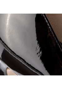 Czarne półbuty HÖGL na szpilce, na średnim obcasie, z cholewką