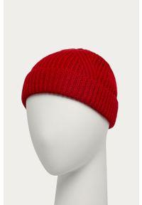 Czerwona czapka JOOP!