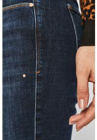 Niebieskie proste jeansy Guess