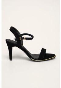 Czarne sandały Truffle Collection z okrągłym noskiem, na klamry