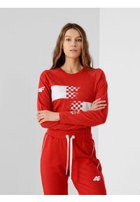 4f - Longsleeve damski Chorwacja - Tokio 2020. Kolor: czerwony. Materiał: dzianina, bawełna. Długość rękawa: długi rękaw. Długość: długie. Wzór: nadruk. Sezon: lato