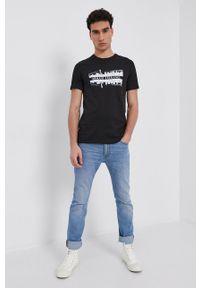 Armani Exchange - T-shirt bawełniany. Kolor: czarny. Materiał: bawełna. Wzór: nadruk