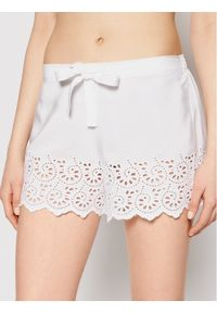 Biała piżama