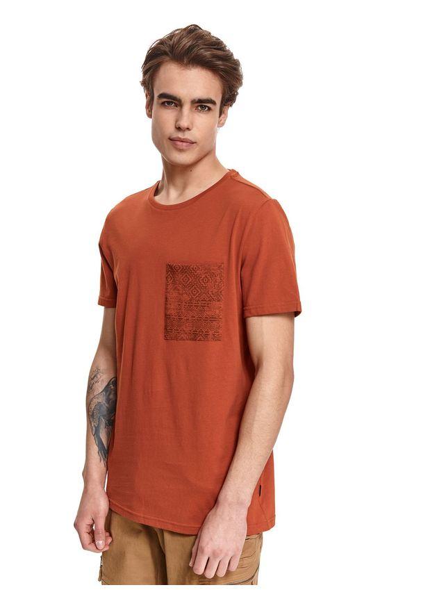 Brązowy t-shirt TOP SECRET z nadrukiem