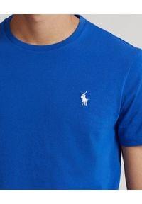 Ralph Lauren - RALPH LAUREN - Niebieski t-shirt z bawełny Custom Slim Fit. Typ kołnierza: polo. Kolor: niebieski. Materiał: bawełna. Wzór: haft