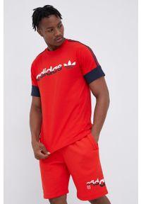 adidas Originals - T-shirt bawełniany. Okazja: na co dzień. Kolor: czerwony. Materiał: bawełna. Wzór: nadruk. Styl: casual
