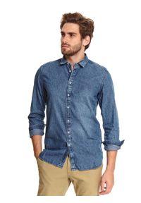 TOP SECRET - Koszula denim o klasycznym opraniu dopasowana. Kolor: niebieski. Materiał: denim. Długość rękawa: długi rękaw. Długość: długie. Sezon: wiosna. Styl: klasyczny