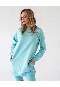 MARLU - Dresowa sukienka mini Monroe. Okazja: na co dzień. Kolor: niebieski. Materiał: dresówka. Długość rękawa: długi rękaw. Typ sukienki: proste. Styl: casual. Długość: mini