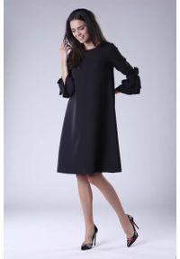 Czarna sukienka wizytowa Nommo trapezowa, wizytowa