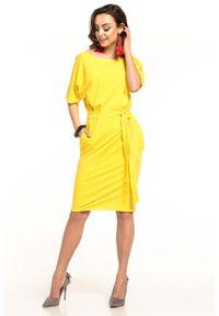 Tessita - Żółta Dzianinowa Sukienka z Kimonowym Krótkim Rękawem. Kolor: żółty. Materiał: dzianina. Długość rękawa: krótki rękaw