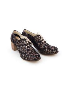 Zapato - sznurowane półbuty na 6 cm słupku - skóra naturalna - model 251 - kolor złote liście. Kolor: złoty. Materiał: skóra. Obcas: na słupku