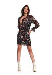 TOP SECRET - Printowana sukienka z bufiastymi rękawami i wiązaniem. Okazja: na co dzień, na imprezę. Kolor: czarny. Materiał: materiał. Sezon: zima. Typ sukienki: proste. Styl: casual
