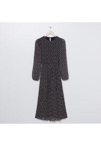 Czarna sukienka Sinsay maxi
